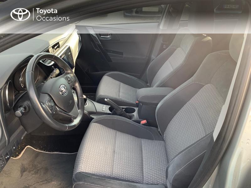 Photo 11 de l'offre de TOYOTA Auris HSD 136h Collection RC18 à 15980€ chez Altis - Toyota Vannes