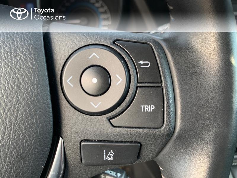 Photo 20 de l'offre de TOYOTA Auris HSD 136h Collection RC18 à 15980€ chez Altis - Toyota Vannes