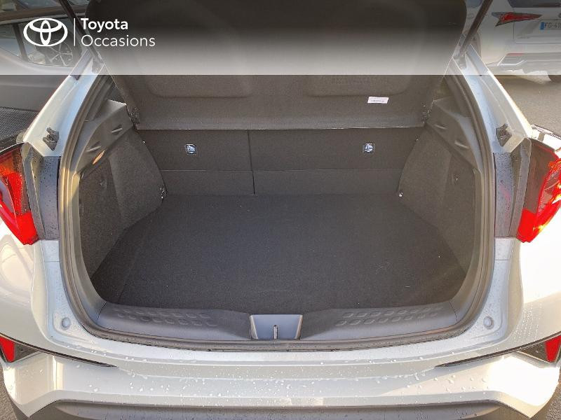 Photo 10 de l'offre de TOYOTA C-HR 184h GR-Sport 2WD E-CVT MY20 à 32890€ chez Altis - Toyota Vannes