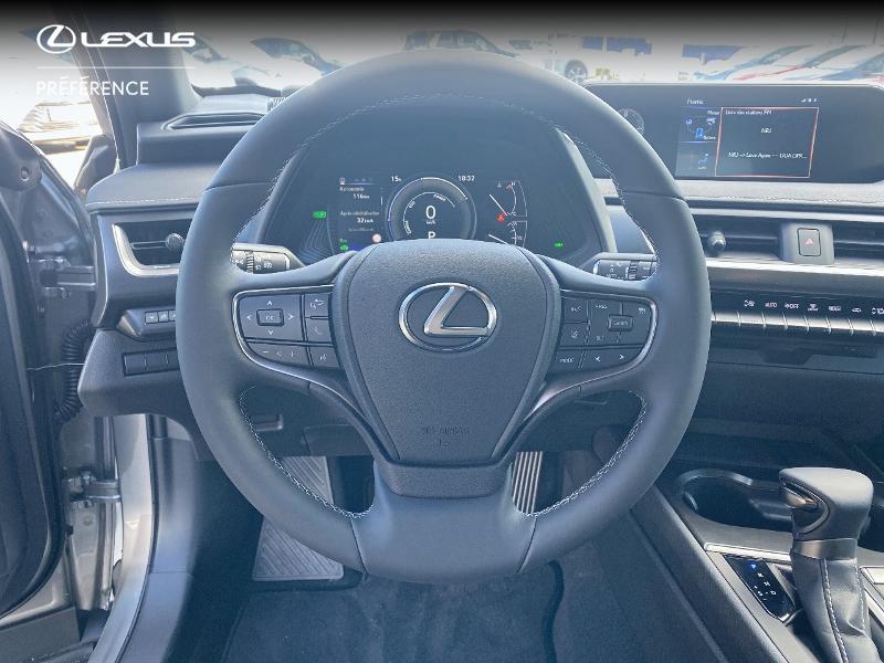 Photo 9 de l'offre de LEXUS UX 250h 2WD Premium Edition MY21 à 34890€ chez Altis - Toyota Vannes