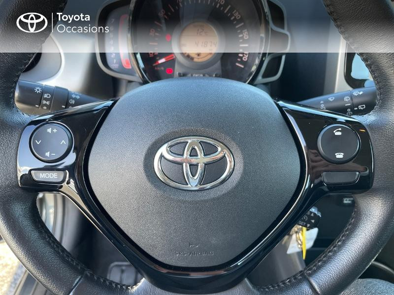 Photo 13 de l'offre de TOYOTA Aygo 1.0 VVT-i 69ch x-play 5p à 8980€ chez Altis - Toyota Vannes