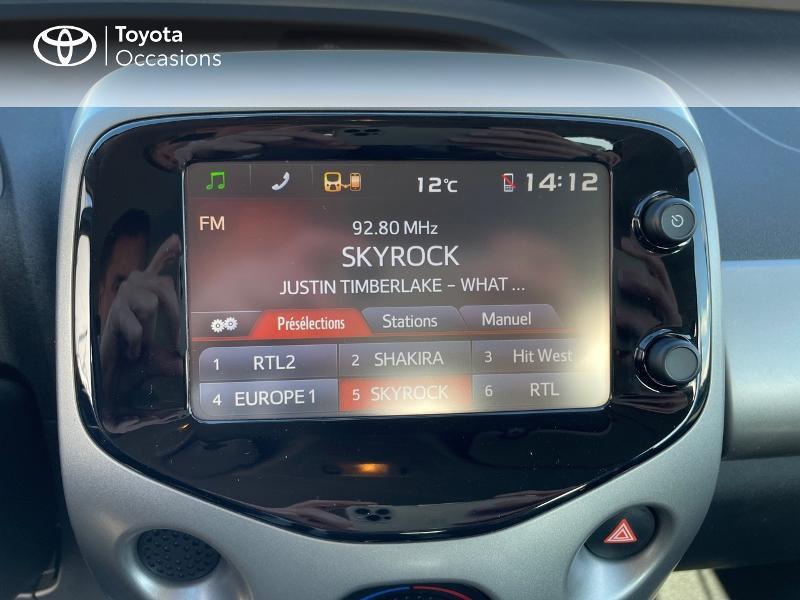 Photo 15 de l'offre de TOYOTA Aygo 1.0 VVT-i 69ch x-play 5p à 8980€ chez Altis - Toyota Vannes