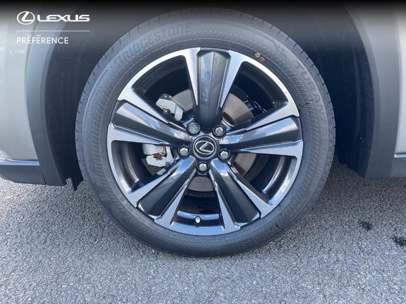 Photo 16 de l'offre de LEXUS UX 250h 2WD Premium Edition MY21 à 34890€ chez Altis - Toyota Vannes