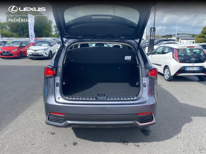 Photo 10 de l'offre de LEXUS NX 300h 2WD Design MY21 à 46890€ chez Altis - Toyota Vannes