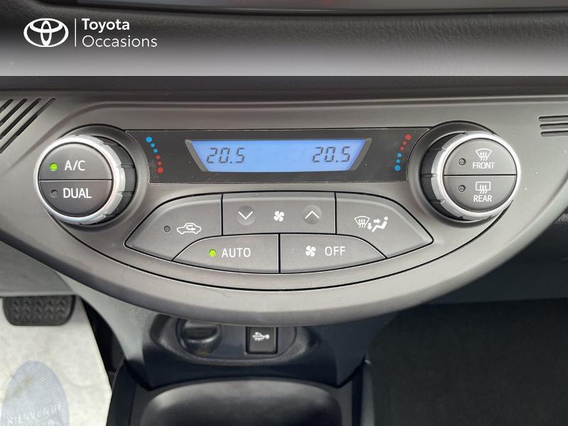 Photo 21 de l'offre de TOYOTA Yaris 100h Dynamic 5p RC18 à 15490€ chez Altis - Toyota Vannes