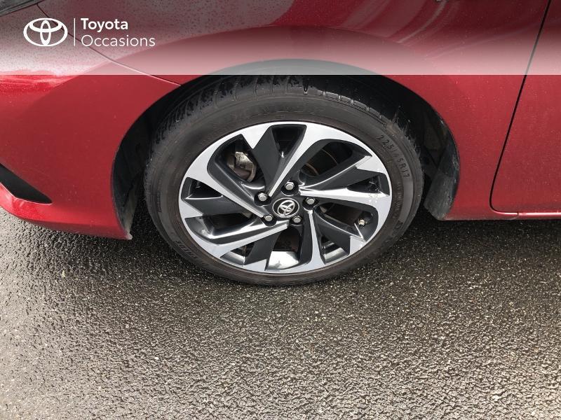 Photo 16 de l'offre de TOYOTA Auris HSD 136h Design RC18 à 18990€ chez Altis - Toyota Vannes
