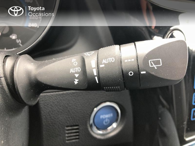 Photo 19 de l'offre de TOYOTA Auris HSD 136h Design RC18 à 18990€ chez Altis - Toyota Vannes