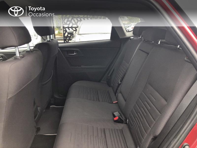 Photo 12 de l'offre de TOYOTA Auris HSD 136h Design RC18 à 18990€ chez Altis - Toyota Vannes