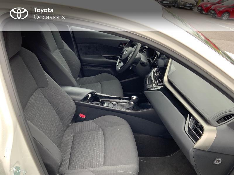 Photo 6 de l'offre de TOYOTA C-HR 122h Edition 2WD E-CVT RC18 à 21980€ chez Altis - Toyota Pontivy