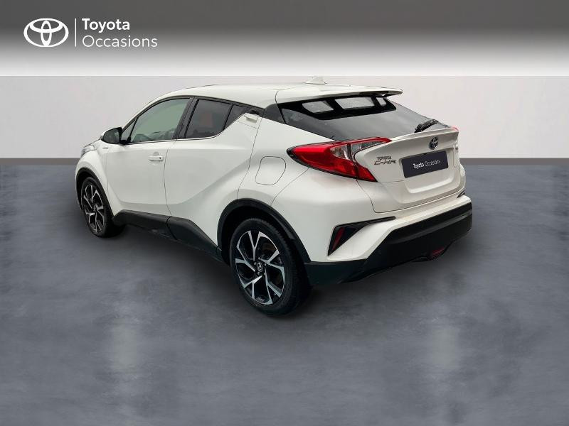 Photo 2 de l'offre de TOYOTA C-HR 122h Edition 2WD E-CVT RC18 à 21980€ chez Altis - Toyota Pontivy