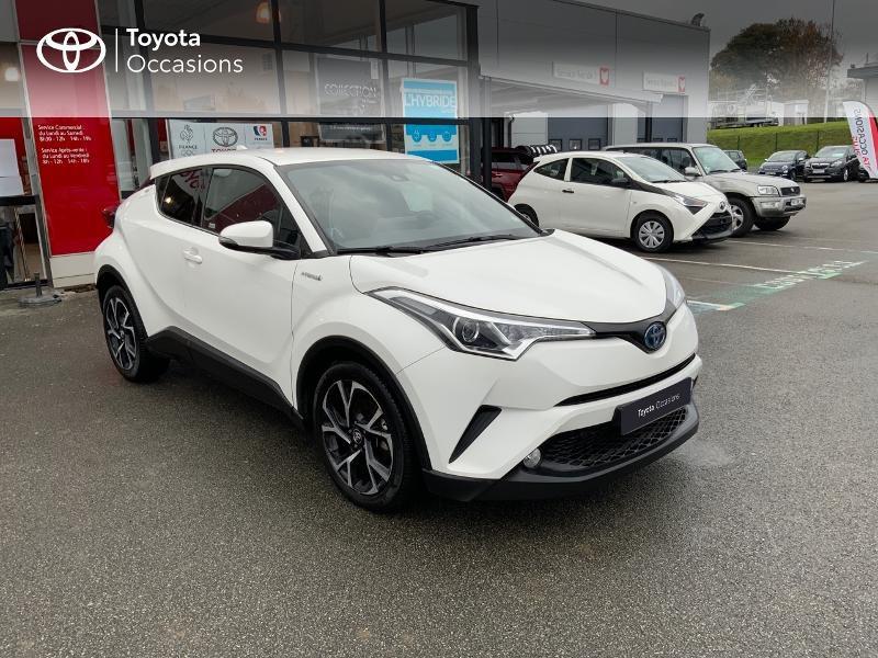 Photo 19 de l'offre de TOYOTA C-HR 122h Edition 2WD E-CVT RC18 à 21980€ chez Altis - Toyota Pontivy