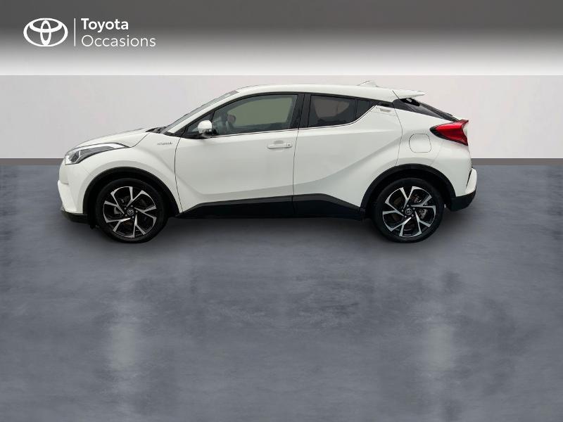 Photo 3 de l'offre de TOYOTA C-HR 122h Edition 2WD E-CVT RC18 à 21980€ chez Altis - Toyota Pontivy