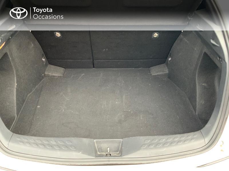 Photo 10 de l'offre de TOYOTA C-HR 122h Edition 2WD E-CVT RC18 à 21980€ chez Altis - Toyota Pontivy