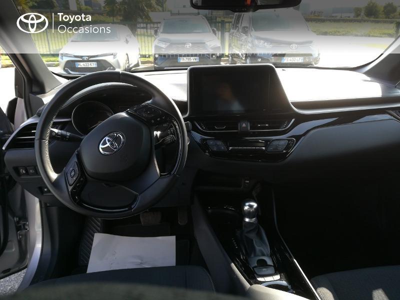Photo 5 de l'offre de TOYOTA C-HR 122h Edition 2WD E-CVT RC18 à 20490€ chez Altis - Toyota Pontivy