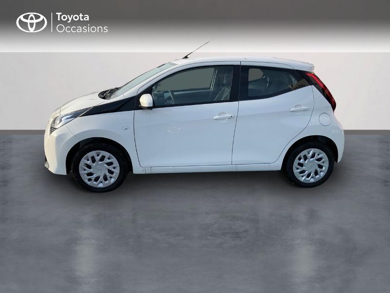 Photo 4 de l'offre de TOYOTA Aygo 1.0 VVT-i 72ch x-play 5p MY20 à 12490€ chez Altis - Toyota Pontivy