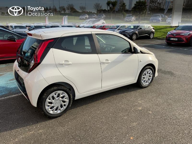Photo 7 de l'offre de TOYOTA Aygo 1.0 VVT-i 72ch x-play 5p MY20 à 12490€ chez Altis - Toyota Pontivy