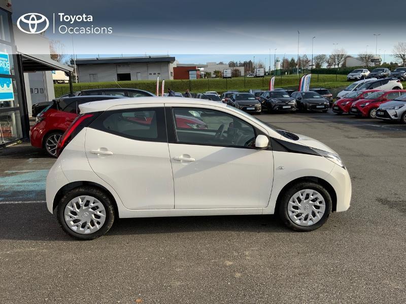 Photo 22 de l'offre de TOYOTA Aygo 1.0 VVT-i 72ch x-play 5p MY20 à 12490€ chez Altis - Toyota Pontivy