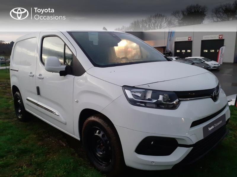 Photo 14 de l'offre de TOYOTA PROACE CITY Medium 130 D-4D Business à 23290€ chez Altis - Toyota Pontivy