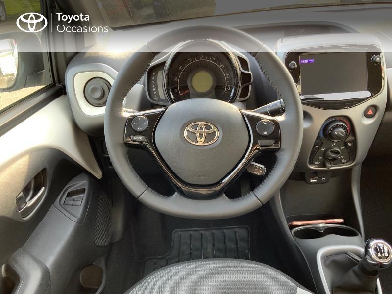 Photo 11 de l'offre de TOYOTA Aygo 1.0 VVT-i 72ch x-play 5p MY20 à 12490€ chez Altis - Toyota Pontivy