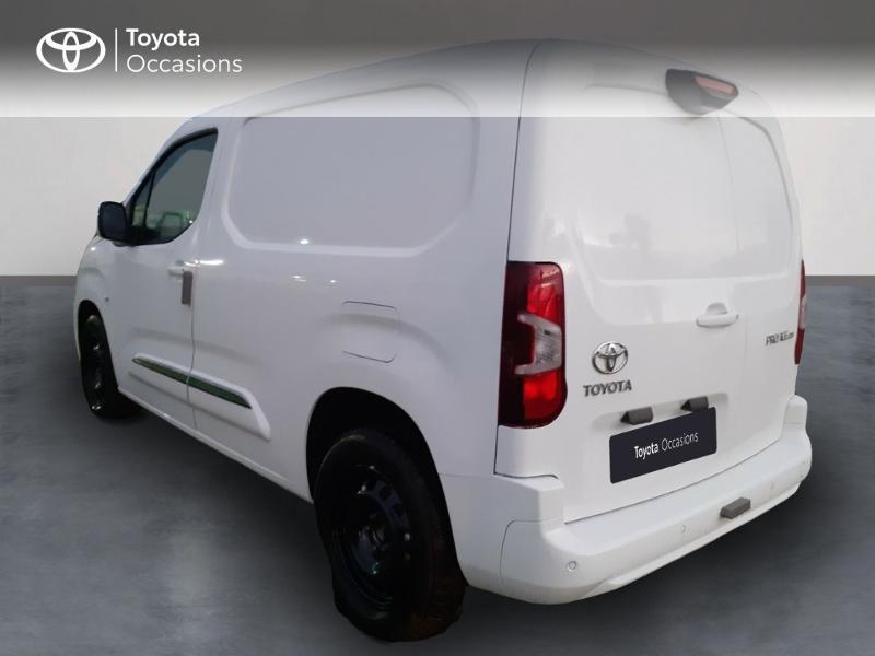 Photo 2 de l'offre de TOYOTA PROACE CITY Medium 130 D-4D Business à 23290€ chez Altis - Toyota Pontivy