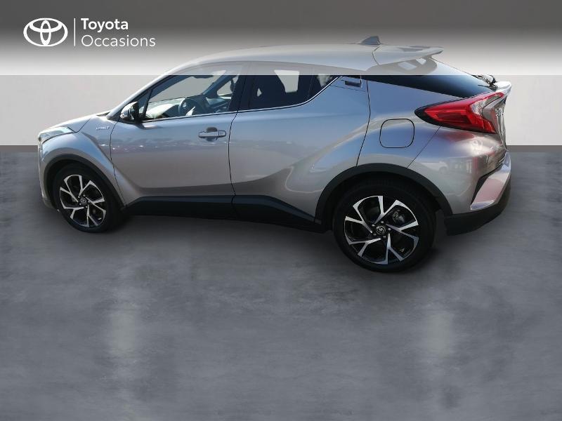 Photo 2 de l'offre de TOYOTA C-HR 122h Edition 2WD E-CVT RC18 à 20490€ chez Altis - Toyota Pontivy
