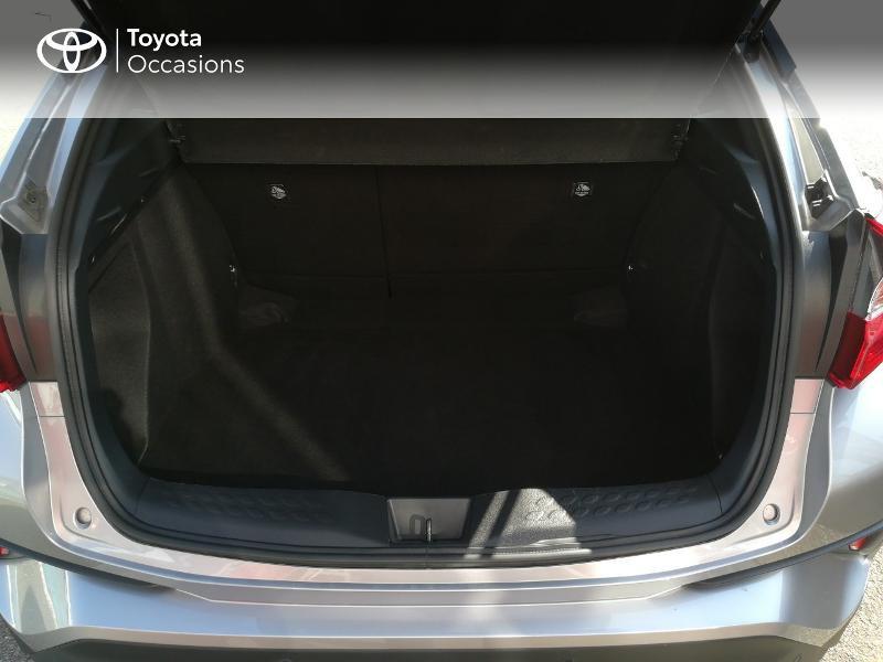 Photo 14 de l'offre de TOYOTA C-HR 122h Edition 2WD E-CVT RC18 à 20490€ chez Altis - Toyota Pontivy