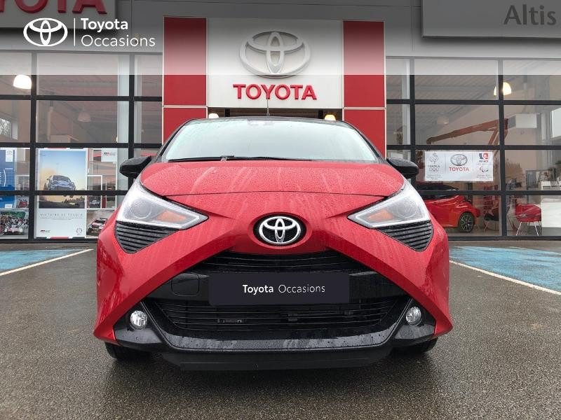 Photo 21 de l'offre de TOYOTA Aygo 1.0 VVT-i 72ch x-clusiv 5p MY20 à 13490€ chez Altis - Toyota Pontivy