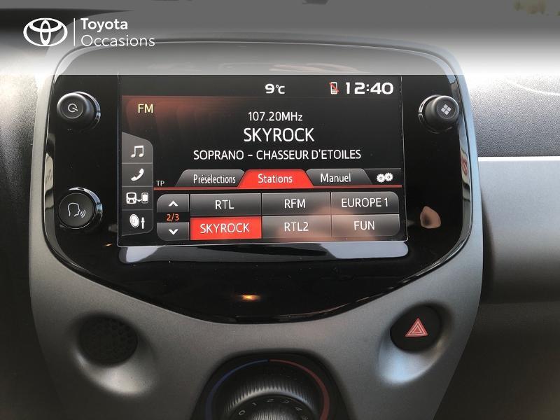 Photo 15 de l'offre de TOYOTA Aygo 1.0 VVT-i 72ch x-play x-app 5p à 9490€ chez Altis - Toyota Pontivy