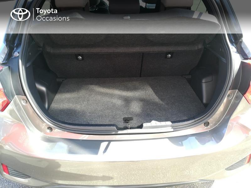 Photo 15 de l'offre de TOYOTA Yaris 100h Collection 5p MY19 à 15490€ chez Altis - Toyota Pontivy