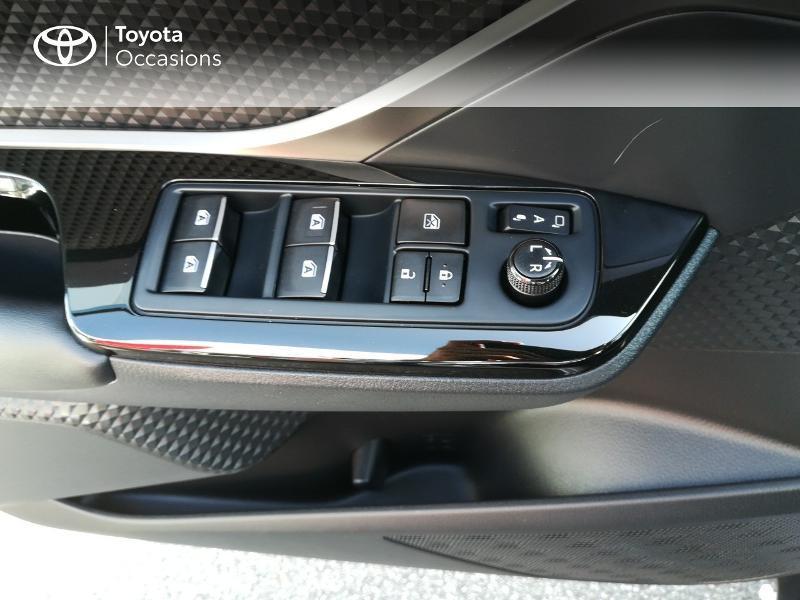 Photo 11 de l'offre de TOYOTA C-HR 122h Edition 2WD E-CVT RC18 à 20490€ chez Altis - Toyota Pontivy
