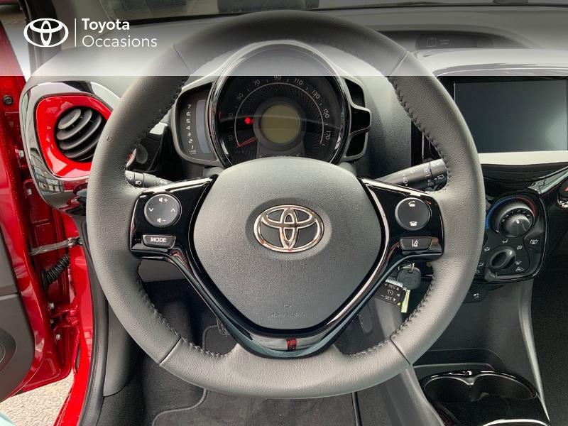 Photo 11 de l'offre de TOYOTA Aygo 1.0 VVT-i 72ch x-clusiv 5p MY20 à 11890€ chez Altis - Toyota Pontivy
