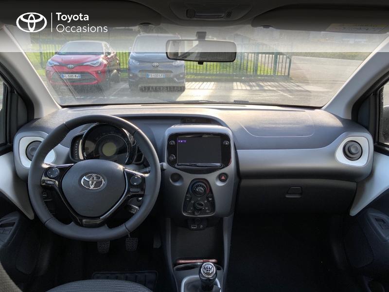 Photo 10 de l'offre de TOYOTA Aygo 1.0 VVT-i 72ch x-play 5p MY20 à 12490€ chez Altis - Toyota Pontivy