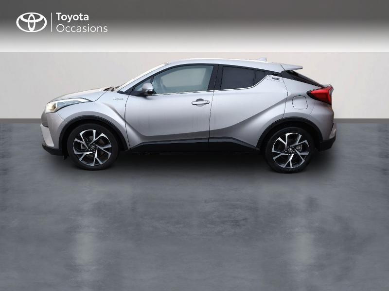 Photo 3 de l'offre de TOYOTA C-HR 122h Edition 2WD E-CVT RC18 à 21990€ chez Altis - Toyota Auray