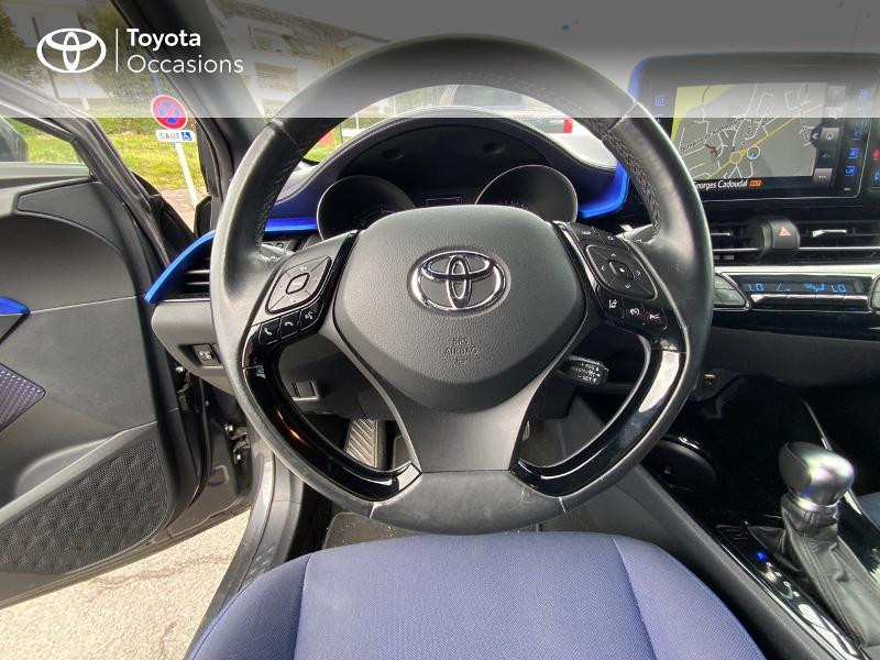 Photo 6 de l'offre de TOYOTA C-HR 122h Graphic 2WD E-CVT à 18990€ chez Altis - Toyota Auray