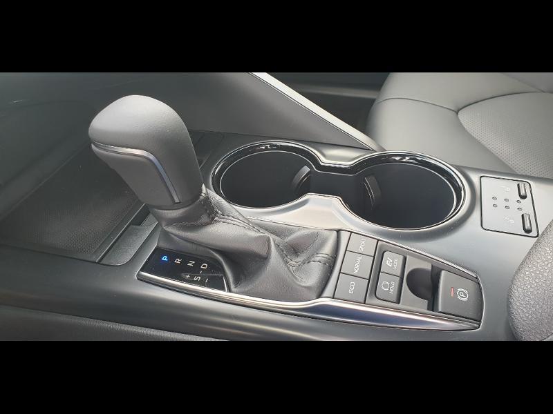 Photo 14 de l'offre de TOYOTA Camry Hybride 218ch Dynamic à 38790€ chez Altis - Toyota Auray