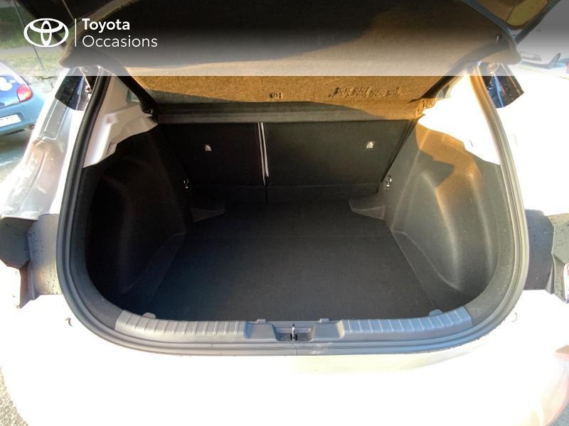 Photo 10 de l'offre de TOYOTA Corolla 122h Collection MY20 5cv à 27390€ chez Altis - Toyota Auray