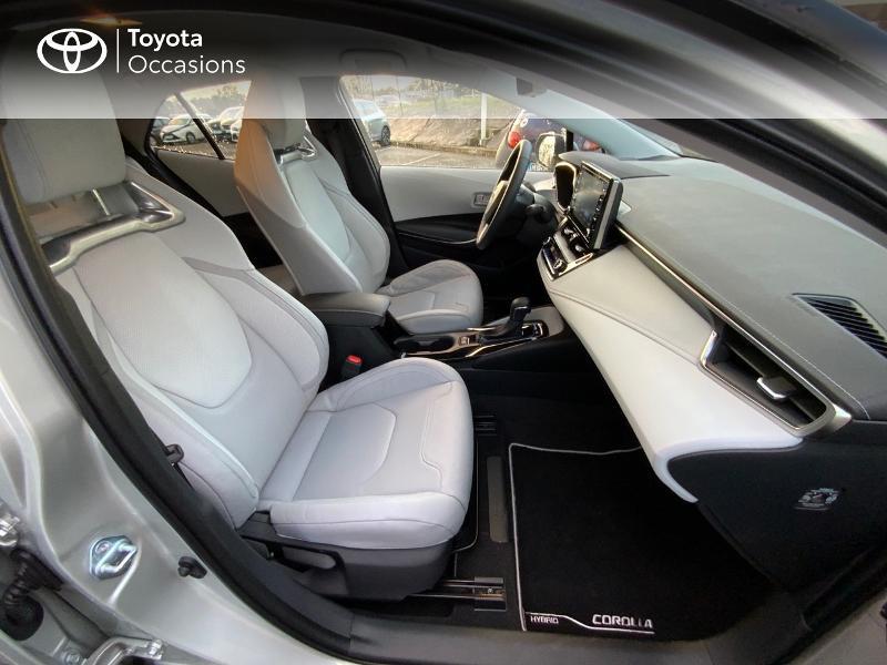 Photo 6 de l'offre de TOYOTA Corolla 122h Collection MY20 5cv à 27390€ chez Altis - Toyota Auray