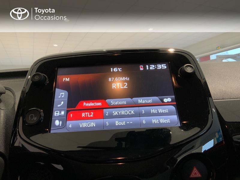 Photo 15 de l'offre de TOYOTA Aygo 1.0 VVT-i 72ch x-clusiv 5p MY20 à 13440€ chez Altis - Toyota Auray