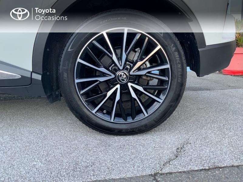 Photo 16 de l'offre de TOYOTA C-HR 122h Distinctive 2WD E-CVT à 25980€ chez Altis - Toyota Auray