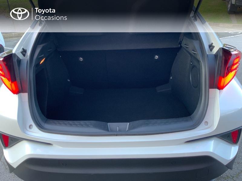 Photo 10 de l'offre de TOYOTA C-HR 122h Distinctive 2WD E-CVT à 25980€ chez Altis - Toyota Auray