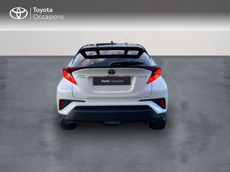 Photo 4 de l'offre de TOYOTA C-HR 122h Distinctive 2WD E-CVT à 25980€ chez Altis - Toyota Auray