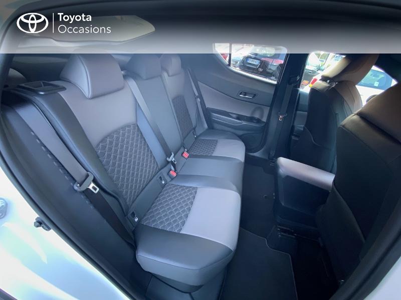 Photo 7 de l'offre de TOYOTA C-HR 122h Distinctive 2WD E-CVT à 25980€ chez Altis - Toyota Auray