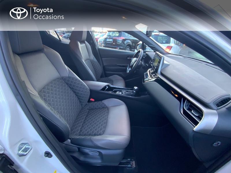 Photo 6 de l'offre de TOYOTA C-HR 122h Distinctive 2WD E-CVT à 25980€ chez Altis - Toyota Auray