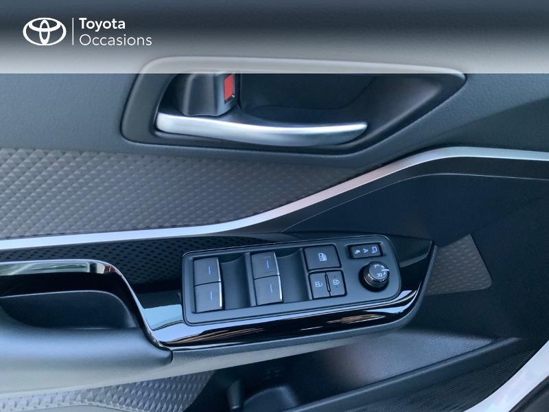 Photo 21 de l'offre de TOYOTA C-HR 122h Distinctive 2WD E-CVT à 25980€ chez Altis - Toyota Auray