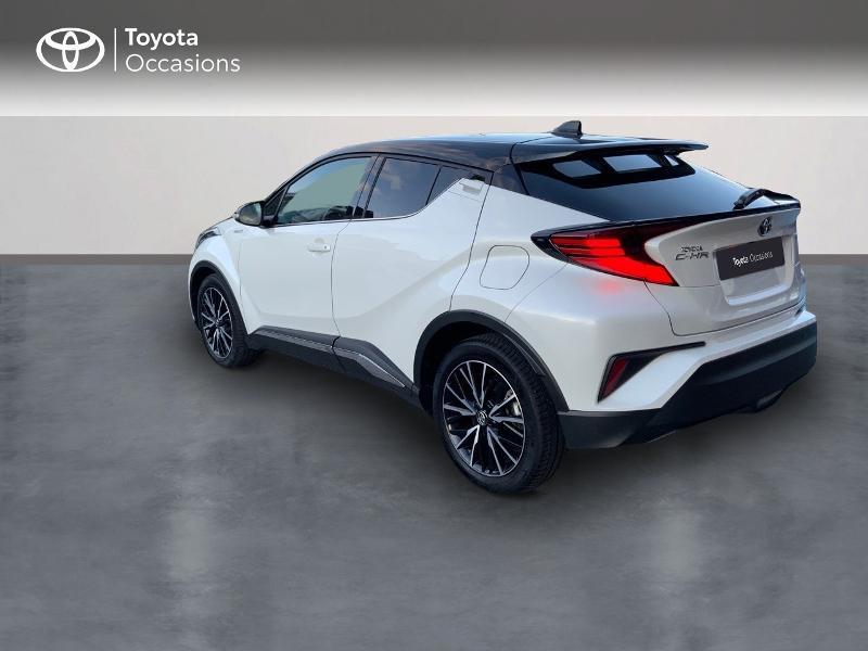 Photo 2 de l'offre de TOYOTA C-HR 122h Distinctive 2WD E-CVT à 25980€ chez Altis - Toyota Auray
