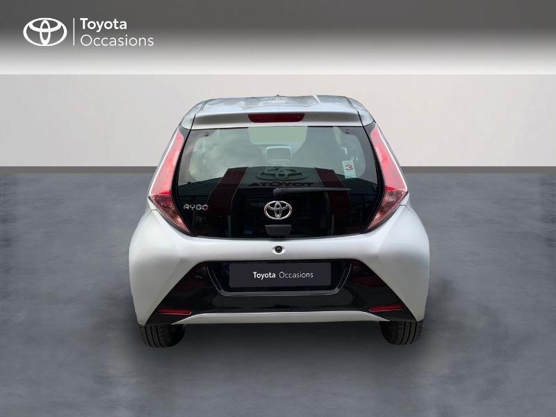 Photo 4 de l'offre de TOYOTA Aygo 1.0 VVT-i 69ch x-play 5p à 8890€ chez Altis - Toyota Auray