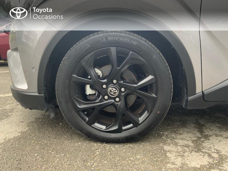 Photo 16 de l'offre de TOYOTA C-HR 122h Graphic 2WD E-CVT RC18 à 22690€ chez Altis - Toyota Auray