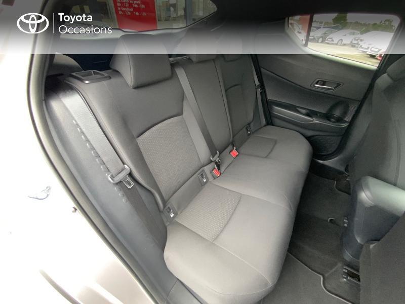 Photo 7 de l'offre de TOYOTA C-HR 122h Graphic 2WD E-CVT RC18 à 22690€ chez Altis - Toyota Auray