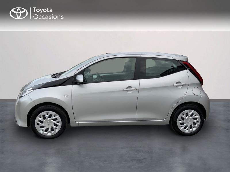 Photo 3 de l'offre de TOYOTA Aygo 1.0 VVT-i 72ch x-play 5p à 9890€ chez Altis - Toyota Auray