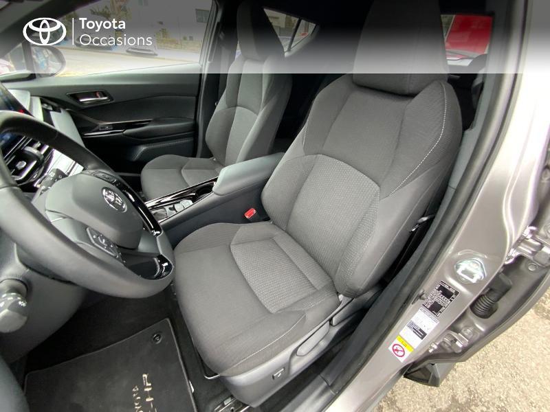 Photo 11 de l'offre de TOYOTA C-HR 122h Graphic 2WD E-CVT RC18 à 22690€ chez Altis - Toyota Auray